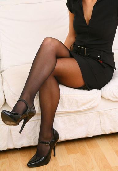 svarta nylonstrumpor